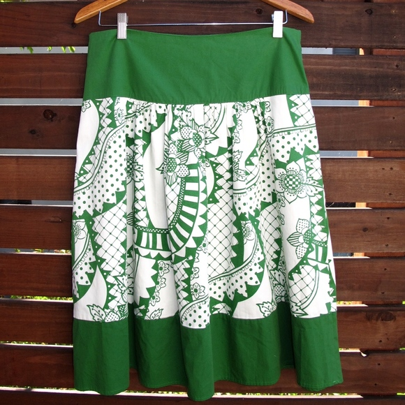 Renee C. Dresses & Skirts - Renee C. Green & White Hawaiian Inspired Skirt L